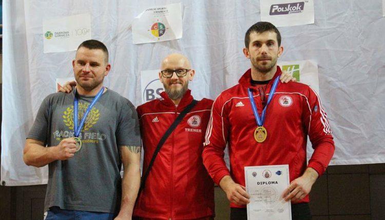 Policjant z Barcina zdobył złoty medal MMA