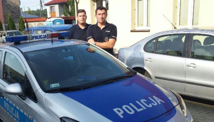 Dzielnicowi z Łabiszyna uratowali tonącego