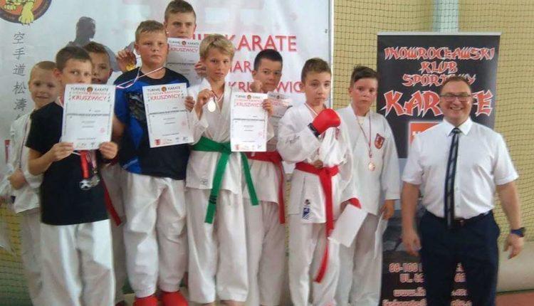 Zawodnicy karate z Inowrocławia wywalczyli medale na zawodach w Kruszwicy