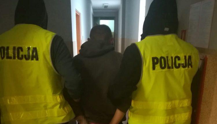 """Jeden z oszustów """"na policjanta"""" zatrzymany! Mieszkanka Barcina straciła 30 tys. zł."""