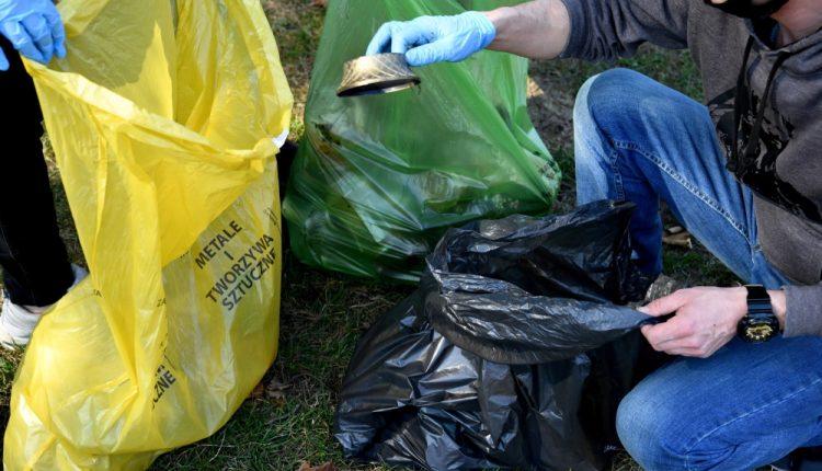 Podlaskie: 80 worków śmieci zebrano podczas akcji sprzątania Biebrzańskiego Parku Narodowego