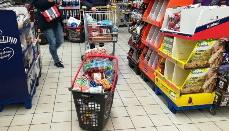 Raport: pomimo pandemii przybywa nowych parków handlowych i centrów codziennych zakupów