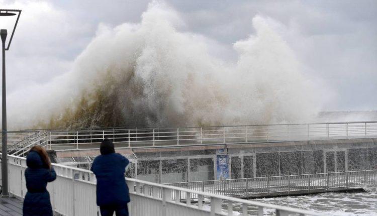 IMGW: sztorm na Bałtyku; w kraju za jednym chłodnym frontem idzie kolejny