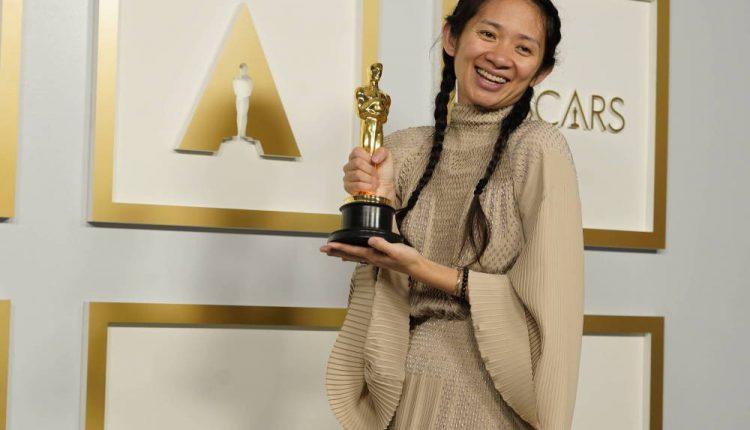 """Oscary 2021: """"Nomadland"""" Chloe Zhao z Oscarem dla najlepszego filmu"""
