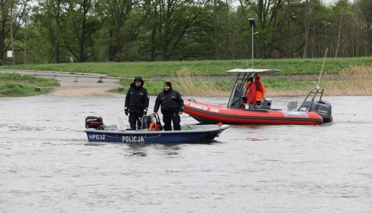 W Odrze odnaleziono zwłoki jednego z zaginionych nastolatków
