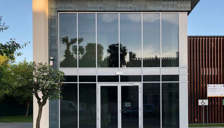 Pracownicy i dyrektor wracają do wyremontowanej siedziby Szubińskiego Domu Kultury